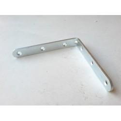 úhelník 100x100mm (šíře 15 mm) s prolisem zinkovaný