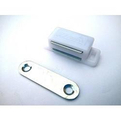 magnet nábytkový bílý 16x46mm MC03A