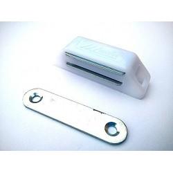 magnet nábytkový bílý 16x61mm MC02A