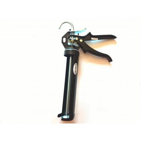 Vytlačovací pistole na kartuše i chemické kotvy v kartuších. Kvalitní kovové zpracování i pro velmi husté materiály.